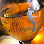 DIY Halloween Wine Glasses withVinyl